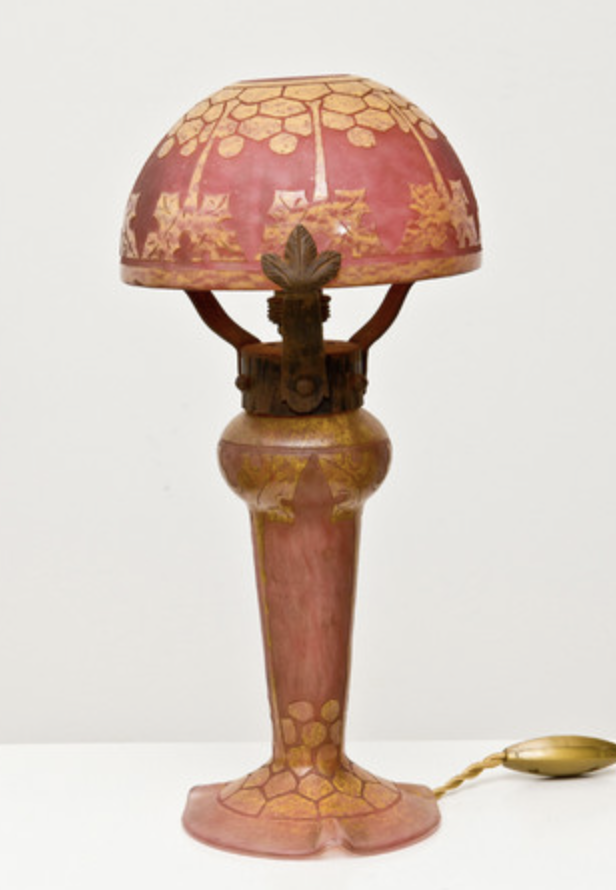 Le verre francais lamp houx-holly