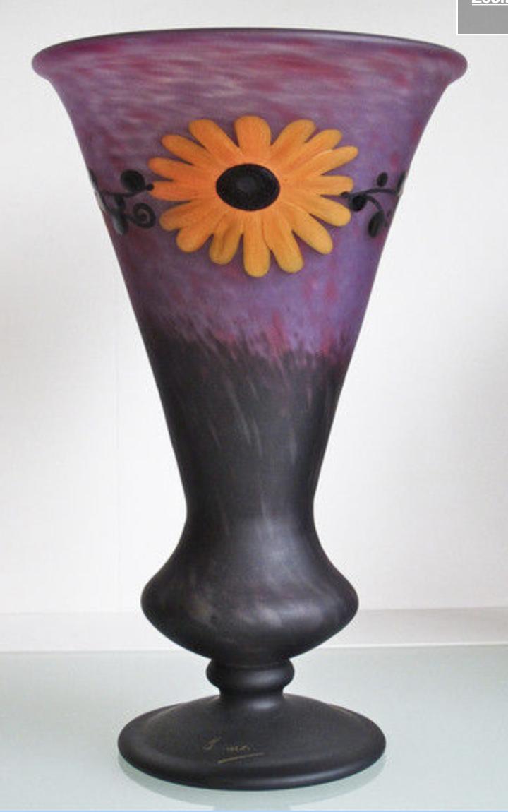 Schneider marguerites vase