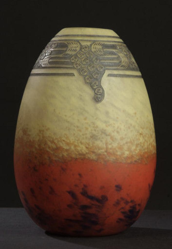Rare Schneider vase with grisaille