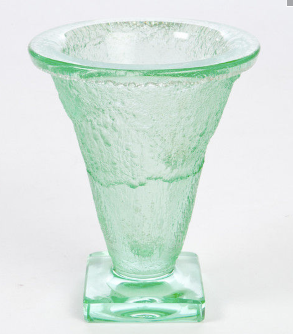 Very thick Daum art deco vase in green color